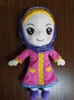 Мусульманская Кукла в пурпурной хиджабе (30 см)