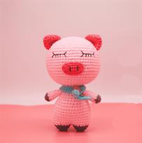 Вязаная игрушка свинка (20 см)  (анигуруми)