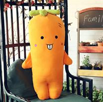 Плюшевая игрушка желтая морковь с зубками (50 см)