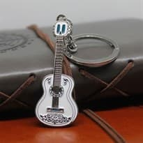 Брелок Гитара Эрнесто де ла Круса из мультфильма Тайна Коко купить