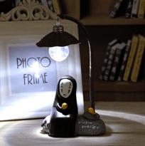"""Настольная лампа с Каонаси Безликим Богом из """"Унесенных призраками"""" купить в Москве"""