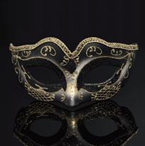 Черная венецианская маска купить