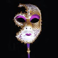 Фиолетовая венецианская маска с ручкой купить в Москве