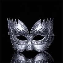 Серебристая венецианская маска