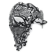 Металлическая венецианская маска на пол-лица (черный) купить в Москве