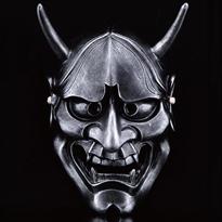Черная маска Ханья для Хэллоуина купить в Москве