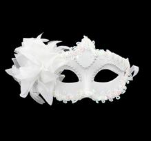Купить белую венецианскую маску в Москве