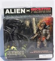 Подвижные фигурки Хищник против Чужого (Alien vs. Predator)
