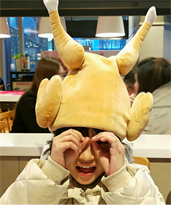 Плюшевая шапка жареная курица купить в Москве